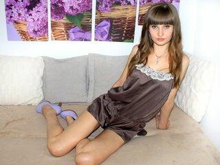 Shows nude pics CharlineZ